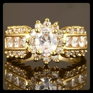 💍Crystal & Gold💍Engagement Ring💍